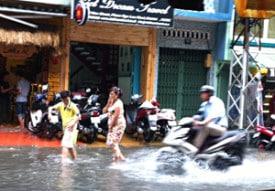 vietnam-saigon-bui-vien-street-flood-2-globejotting-davefox