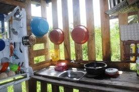 borneo-hoemstay-kitchen