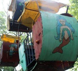 A strangely familiar Ferris Wheel. (Photo: Kattina Rabdau-Fox)