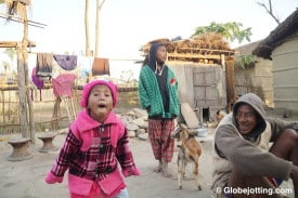 nepal-homestay-playful-girl-and-family