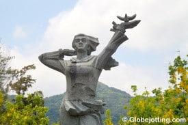 Con Dao Vo Thi Sau Statue